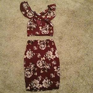 Dresses & Skirts - Skirt and top